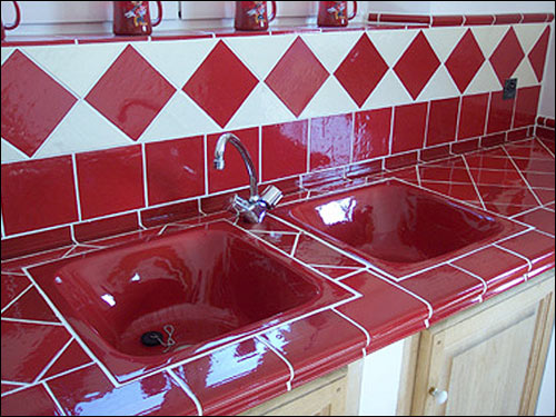 Evier De Cuisine Rouge.Vasque Salernes Var 83 Carrelages De Provence Plan De