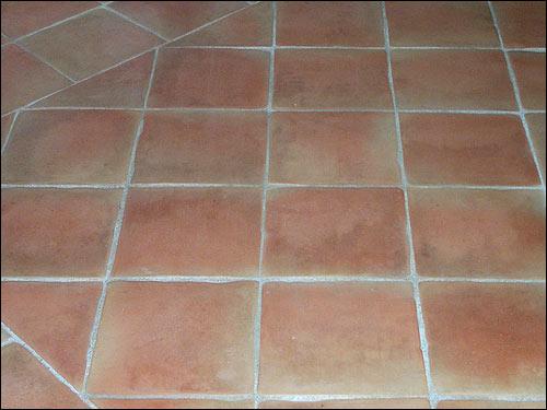 Provencal terracotta salernes var bathroom terracotta for Carrelage terre cuite provence